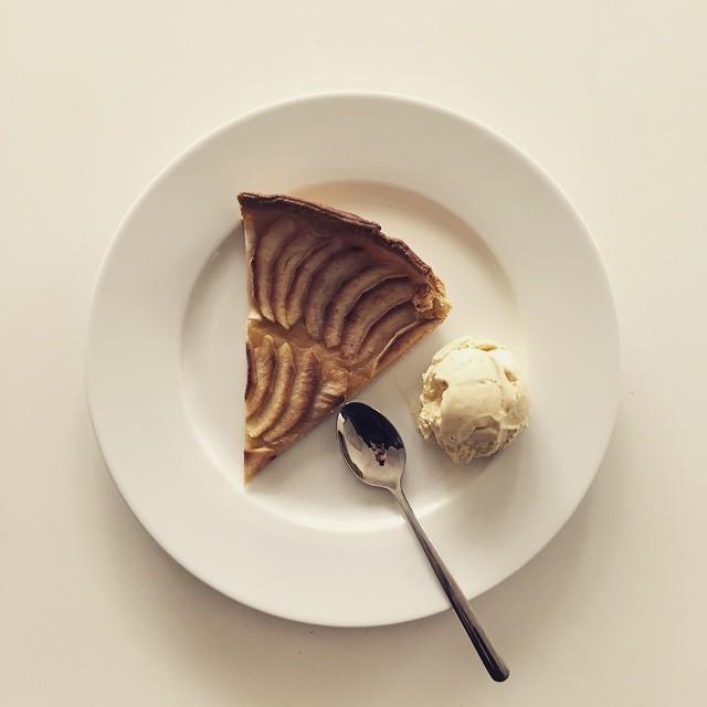 Tarte aux pommes et glace vanille
